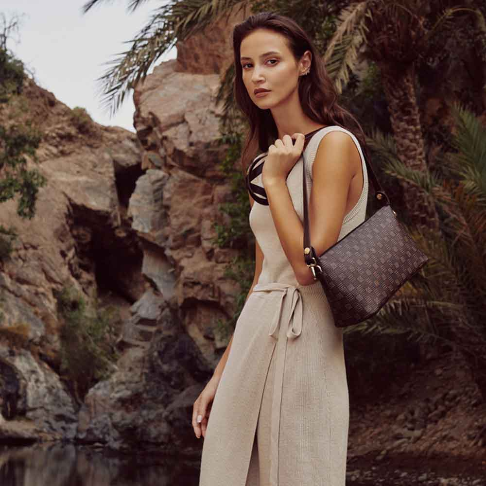 EURTHLIN LOOKBOOK VEGAN HANDBAG ECOLOOKBOOK DUBAI
